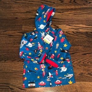 NWT HATLEY BOYS ROCKETSHIP HOODED RAINCOAT SIZE 6